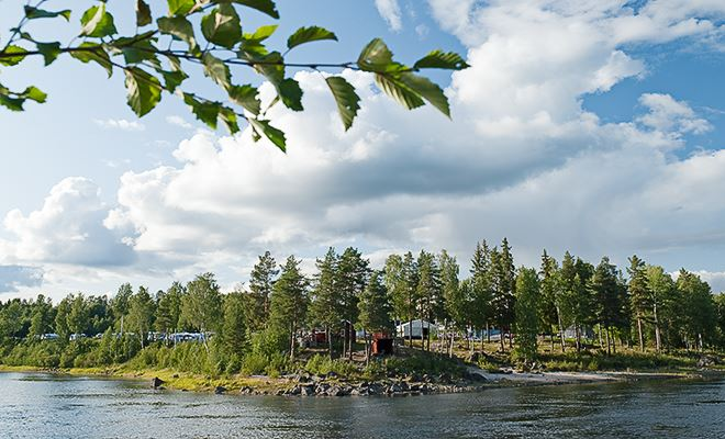 Celebrate Midsummer at Sikfors Fritidsby