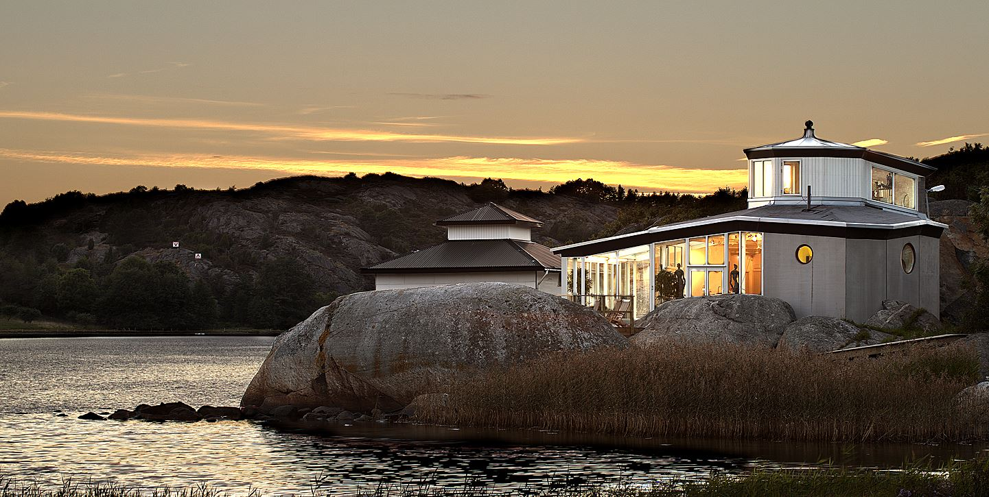 VIP stay at Nösund Inn´s Sea bath SPA with Oysters