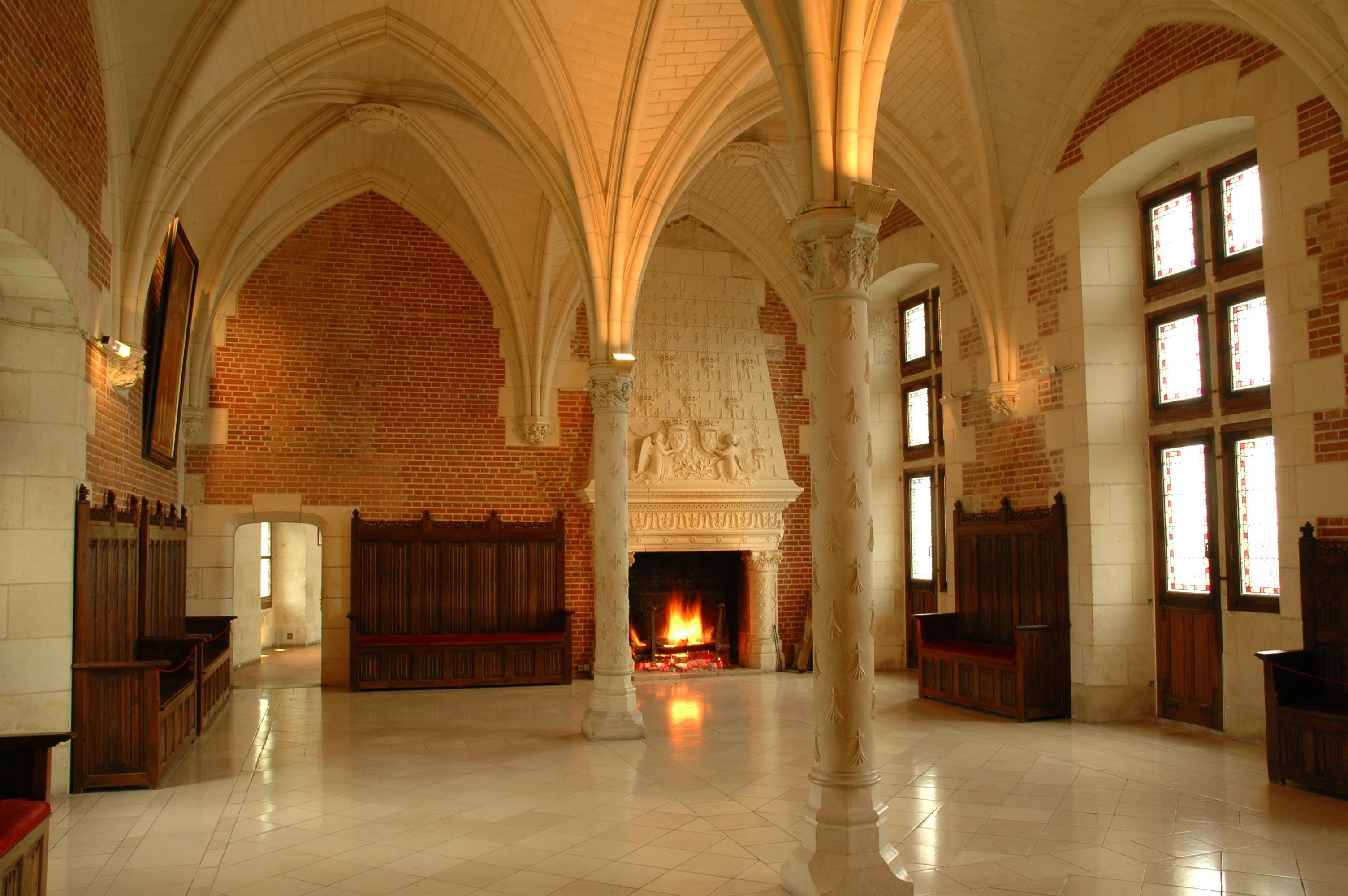 ROYAL BREAK IN THE ROYAL VALLEY - 2 DAYS/1 NIGHT from 205 €/person