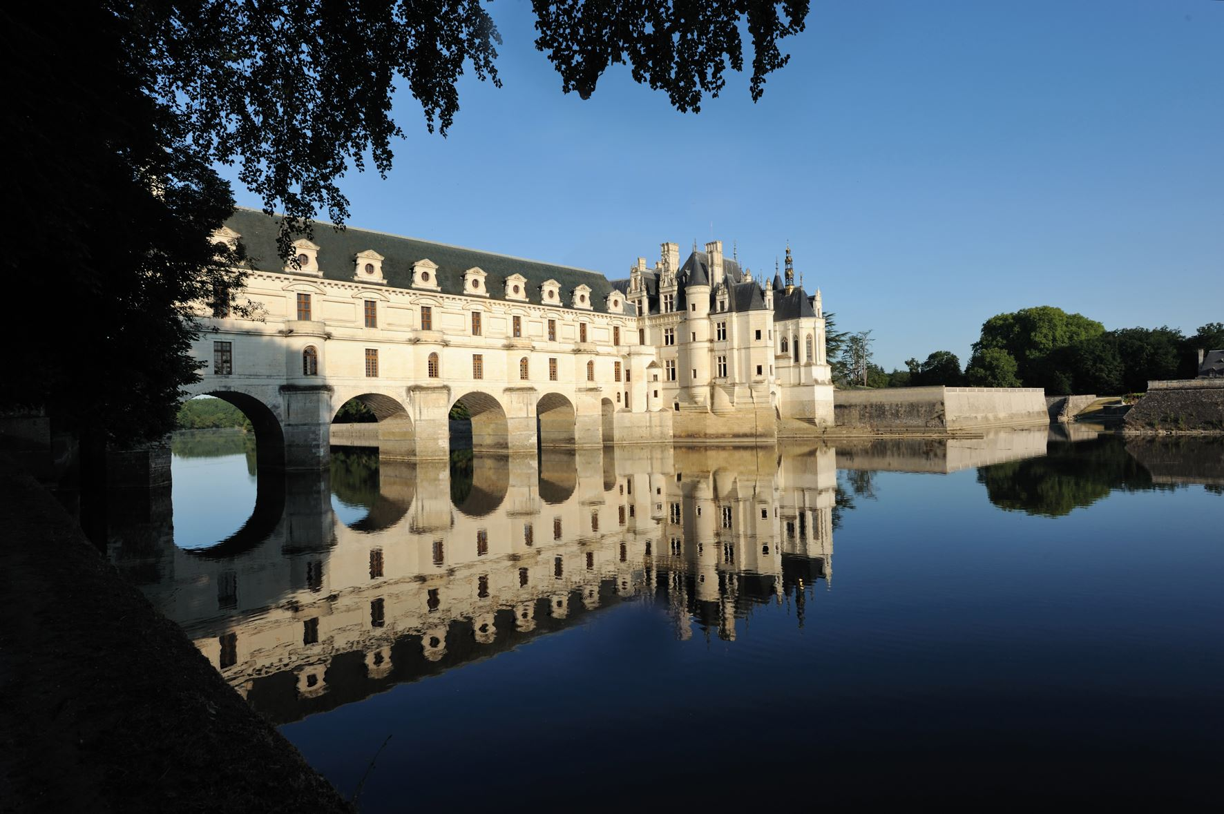 DISCOVERING THE LOIRE VALLEY CHATEAUX BY MINIBUS - 3 DAYS/2 NIGHTS from 359€/person