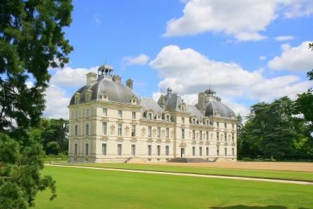 DISCOVERING THE LOIRE VALLEY CHATEAUX BY MINIBUS - 3 DAYS/2 NIGHTS from 349€/person