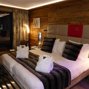 EXCLUSIVE! DE LUXE CHALETS AND RESIDENCES - FROM 513 €* / PERS
