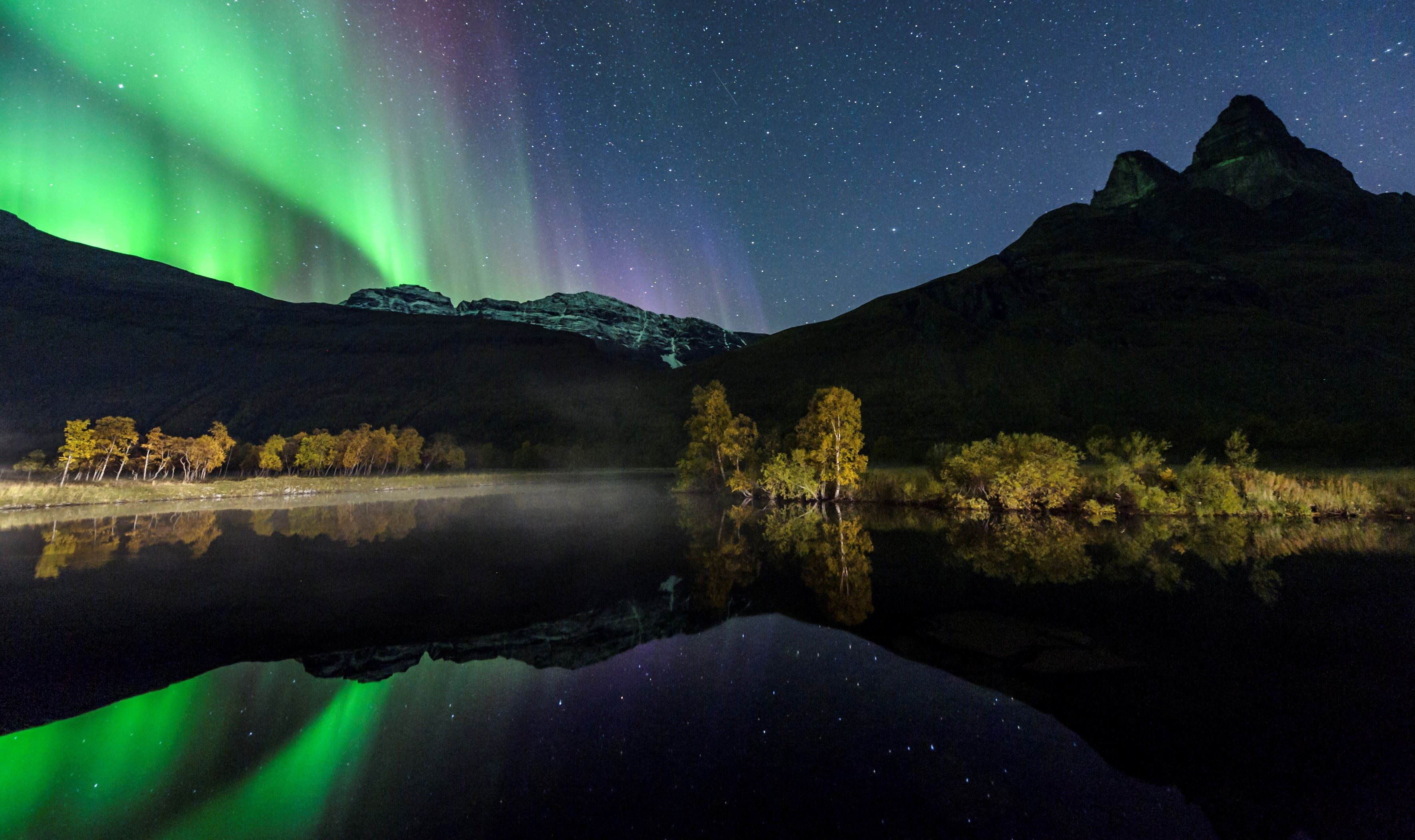 Autumn Lights in the Lyngen Alps