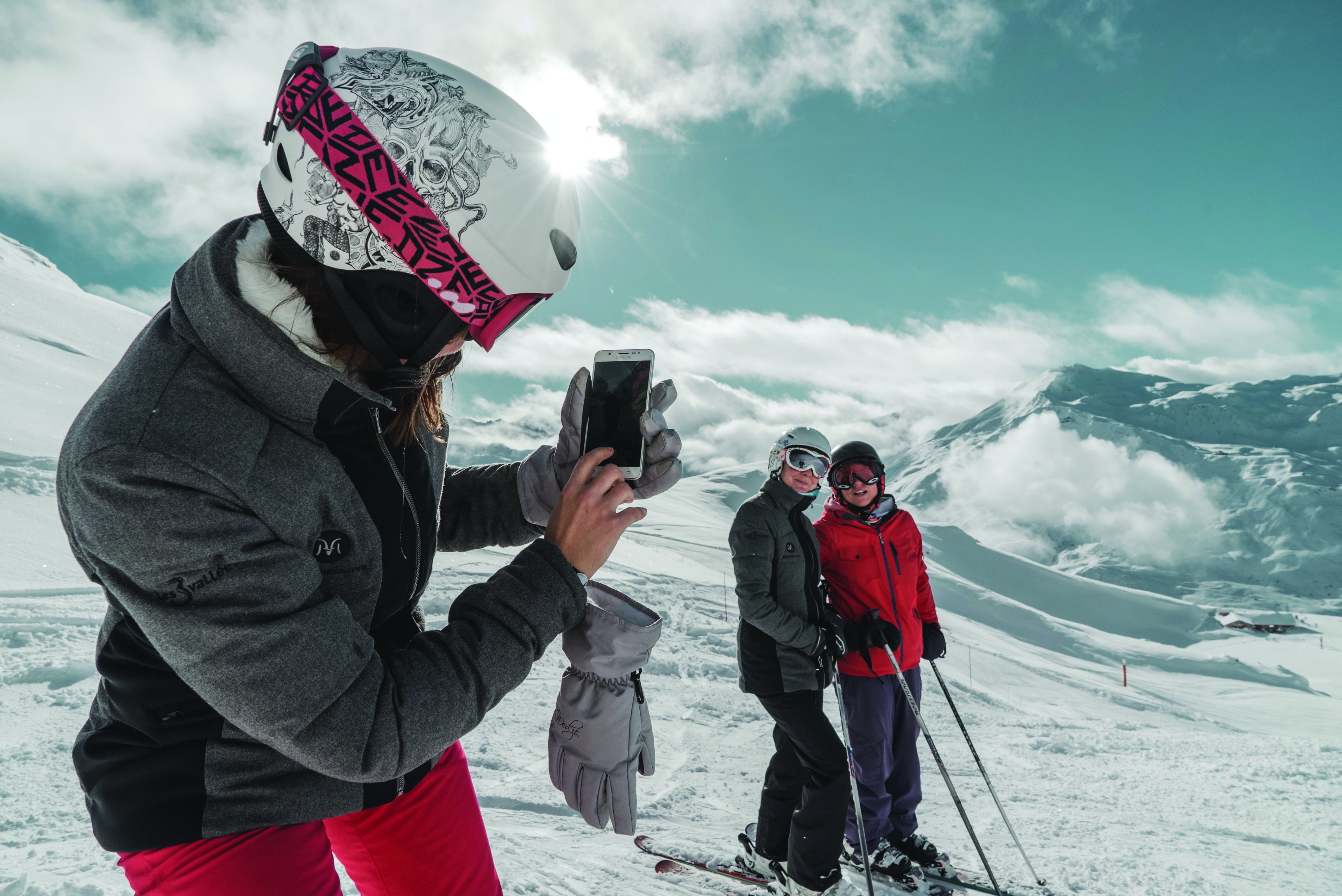 """Easy ski"" with your friends - From €329/pers"