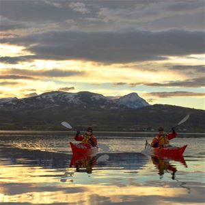 Flights + Hotel: Midnight Sun Tromsø