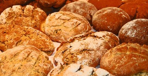 © Vånga 77.1, Vånga 77.1 bakar kakor och bullar, surdegsbröd och gårdsknäcke