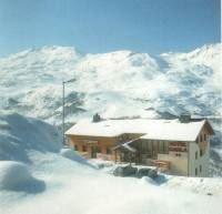 """Hôtel skis aux pieds / HOTEL CARLA (2 Flocons """"Argent"""")"""