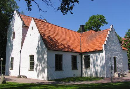 Fotograf: Peter Håkansson, Trolle Ljungby kyrka sedd från sydost