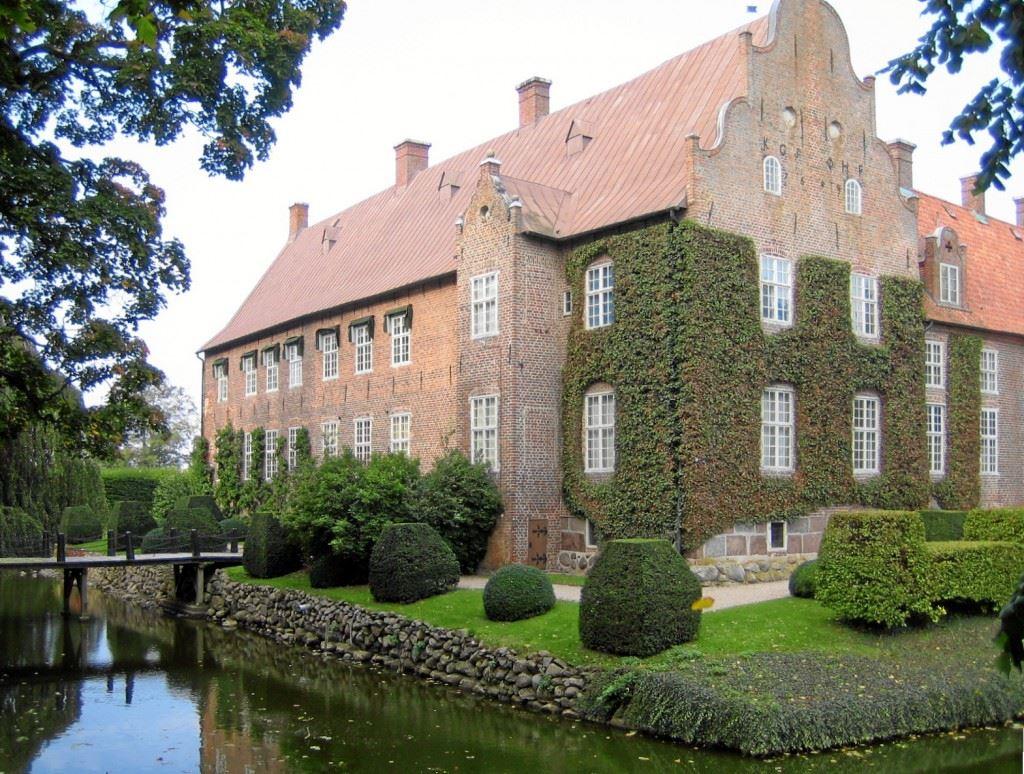 Trolle Ljungby slott och slottspark