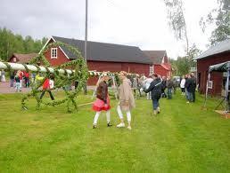 Midsummer celebrations in Slättberg