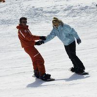TEENAGERS/ADULTS/KIDS +7 YEARS OLD : ESF MORNING GROUP SNOWBOARD LESSONS, FROM BEGINNER TO EXPERT