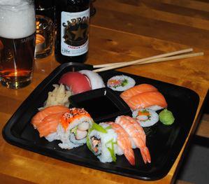 En läcker sushi-tallrik
