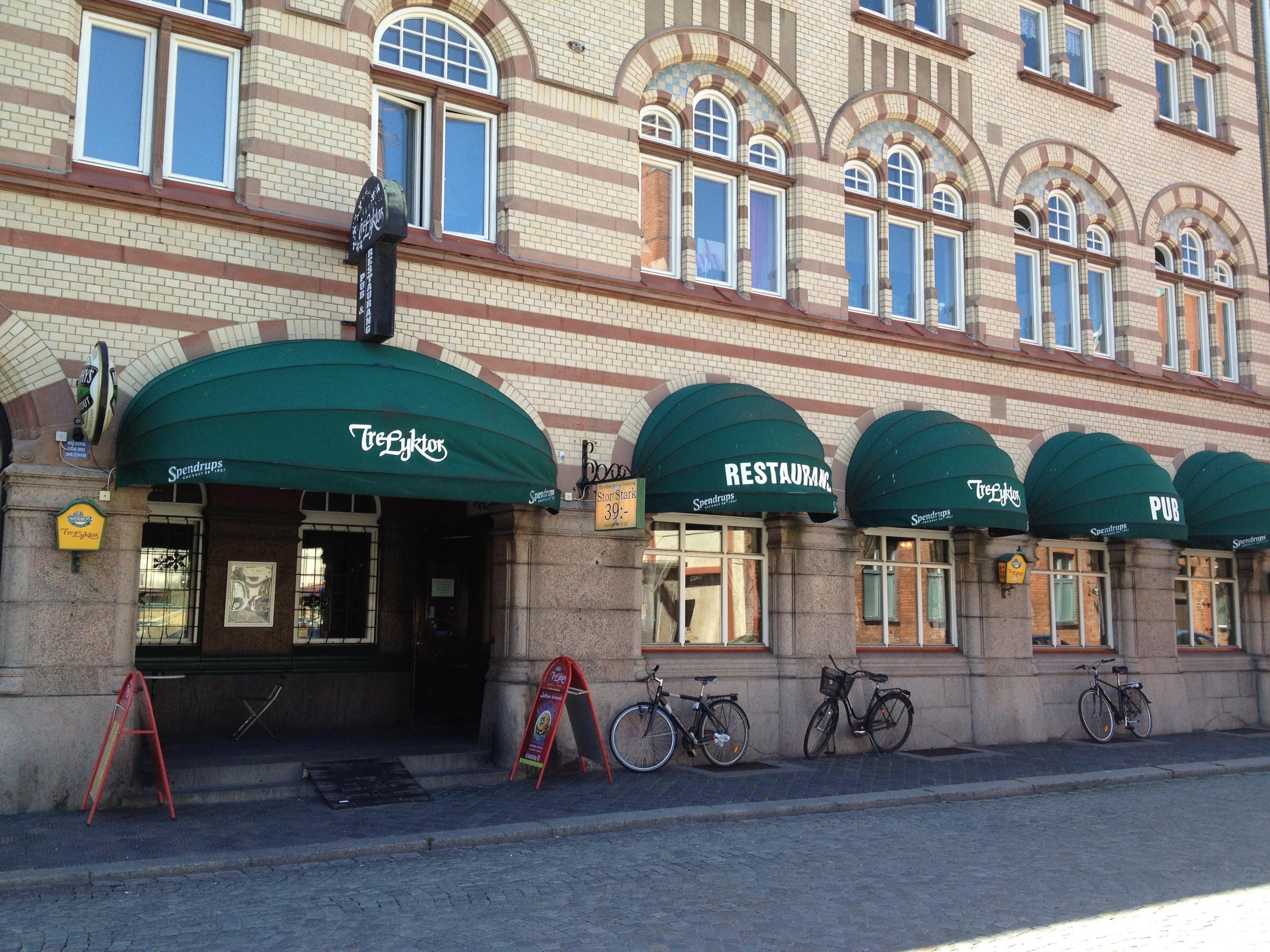 Sandra Jeppsson, Restaurang och pub Tre Lyktor