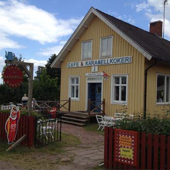 Robin Anderson, Café och Sehenswürdigkeiten in Bredsättra