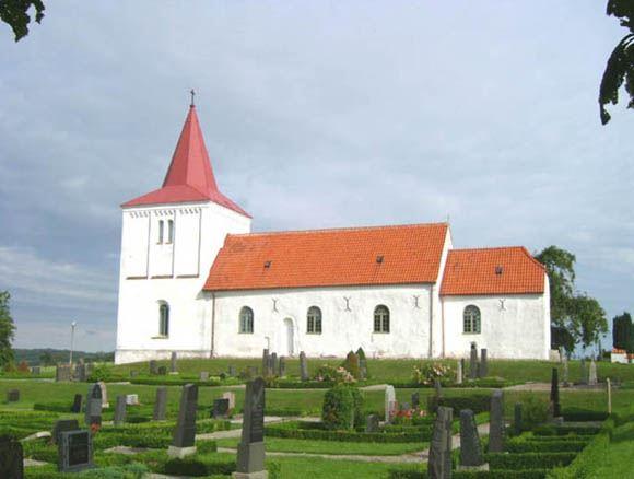 © Anderslövs Församling, Kyrkan uppfördes i slutet av 1100-talet som en romansk basilika