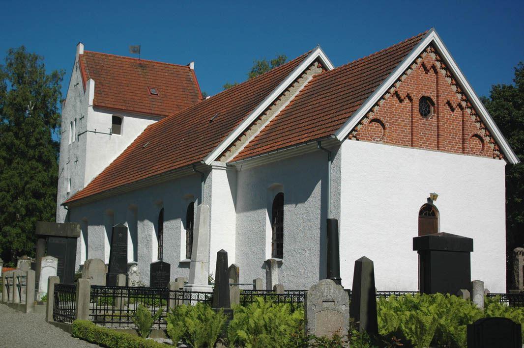 © Dalköpinge Församling, Gylle kyrka uppfördes ursprungligen i slutet av 1100-talet, men har liksom de flesta gamla kyrkor byggts om många gånger under århundradenas lopp.