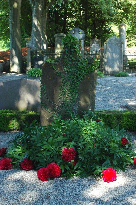 © Dalköpinge Församling, Kyrkogården kring Gylle kyrka är en oas av kärleksfullt skött grönska.
