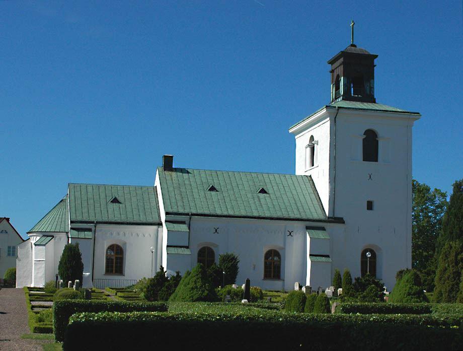 © Dalköpinge Församling, En anledning till att Gislövs kyrka blev så påkostad kan ha varit att ärkebiskopen ägde en gård i Gislöv.