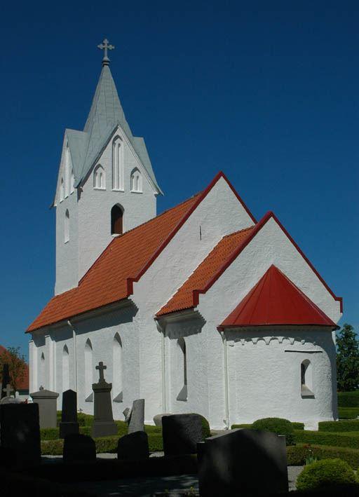 © Dalköpinge Församling, Simlinge kyrka är exteriört i stort sett oförändrad sedan 1400-talet.