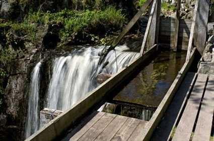 © Petter Gustafson [faifoo.se], Hallamölla beim Wassermühle Wasserfall