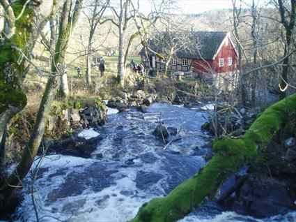© Tomelilla kommun, Henriette Ellberg, Hallamölla beim Wassermühle Wasserfall