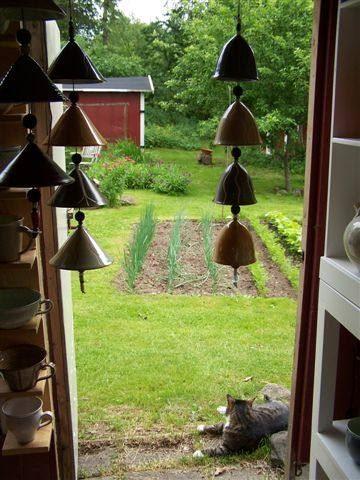 © Karsten Eriksen, hängande klockor