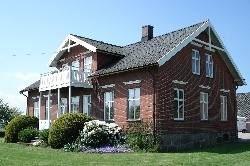 © Bo på hästgård, Lägenhet mellan Viken och Höganäs