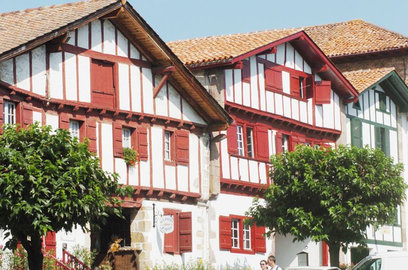 Découverte des plus beaux villages basques en mini-bus