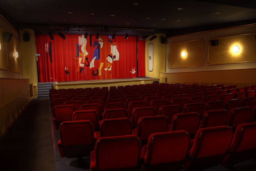 Movie-theater Grand