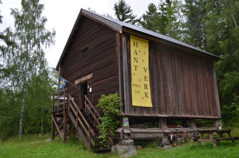 Emma Paulsson, Sockenmagasinet i Borgsjöbyn
