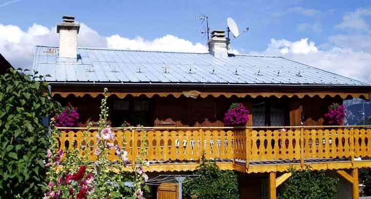 2 rooms 4 people 50m from the ski slopes / CHALET LA ZAIRADE LE REPOJU (mountain)
