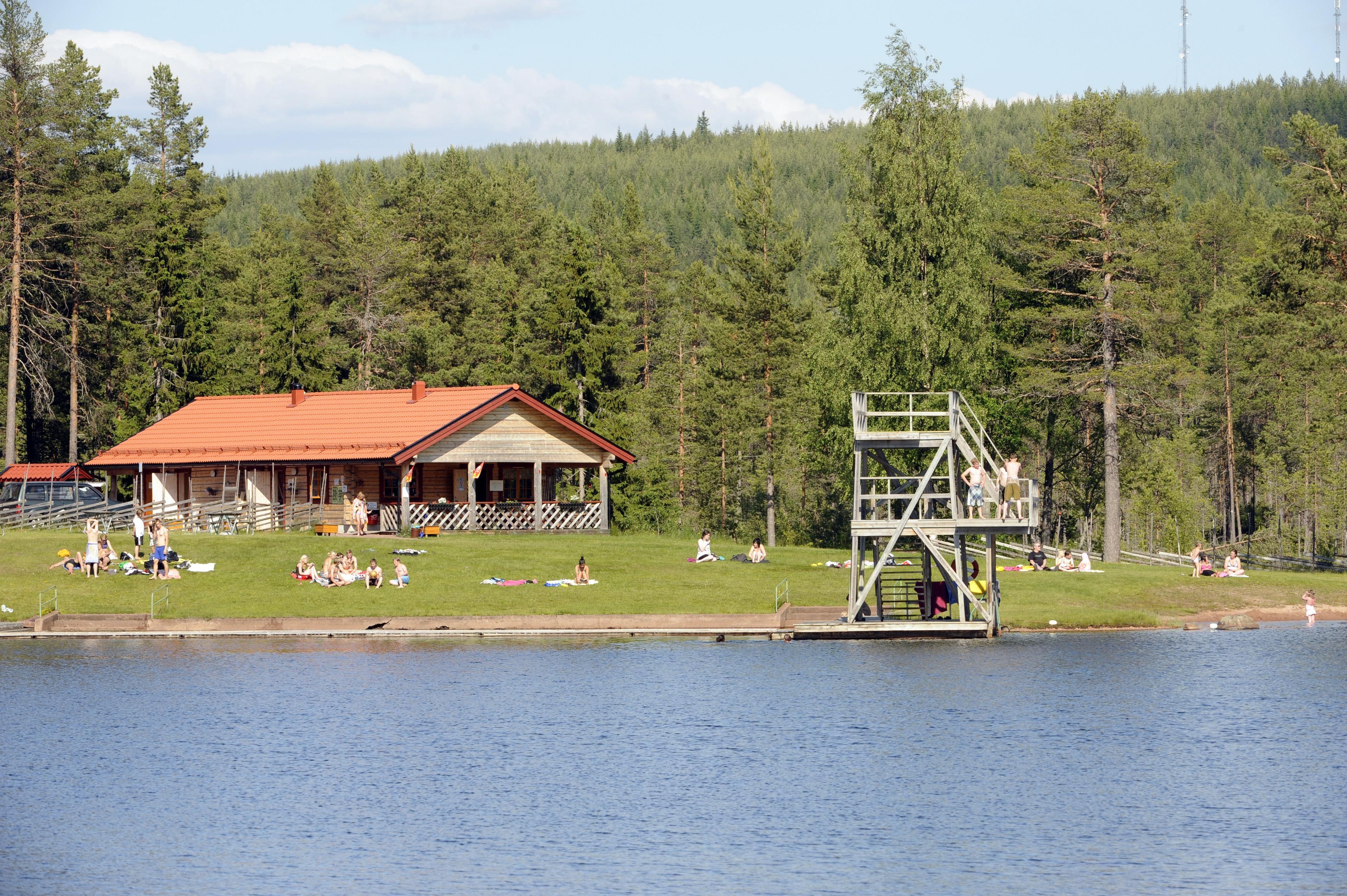 Nisse Schmidt, Evertsbergs badplats