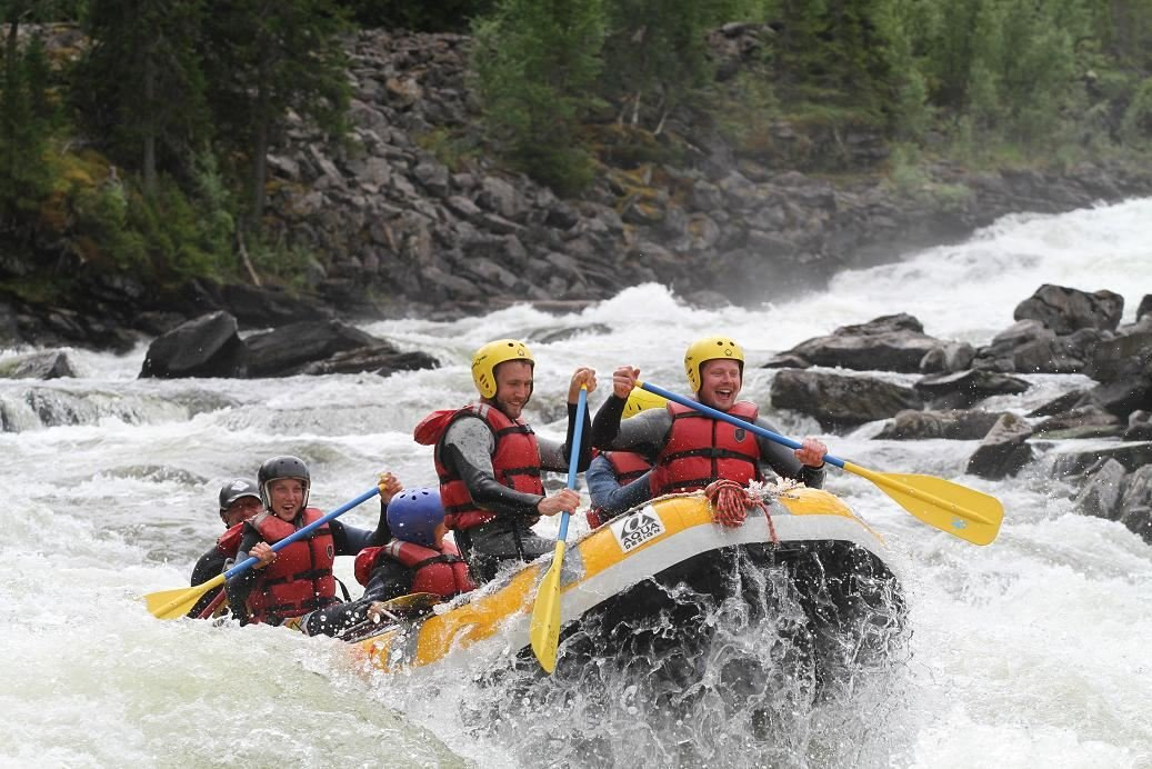 Advanced rafting in Gevsjöströmmarna