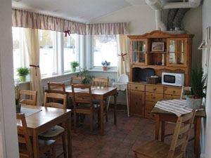 Café im Anschluss an den Dorfladen Odensvi