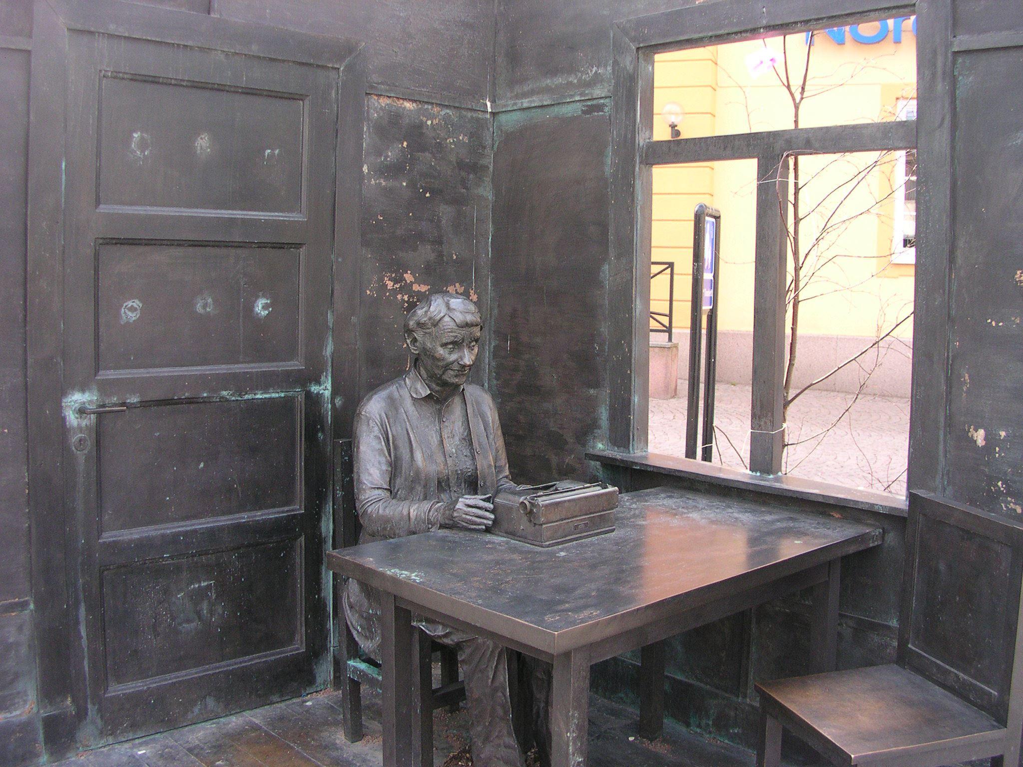 Astrid Lindgren statyn