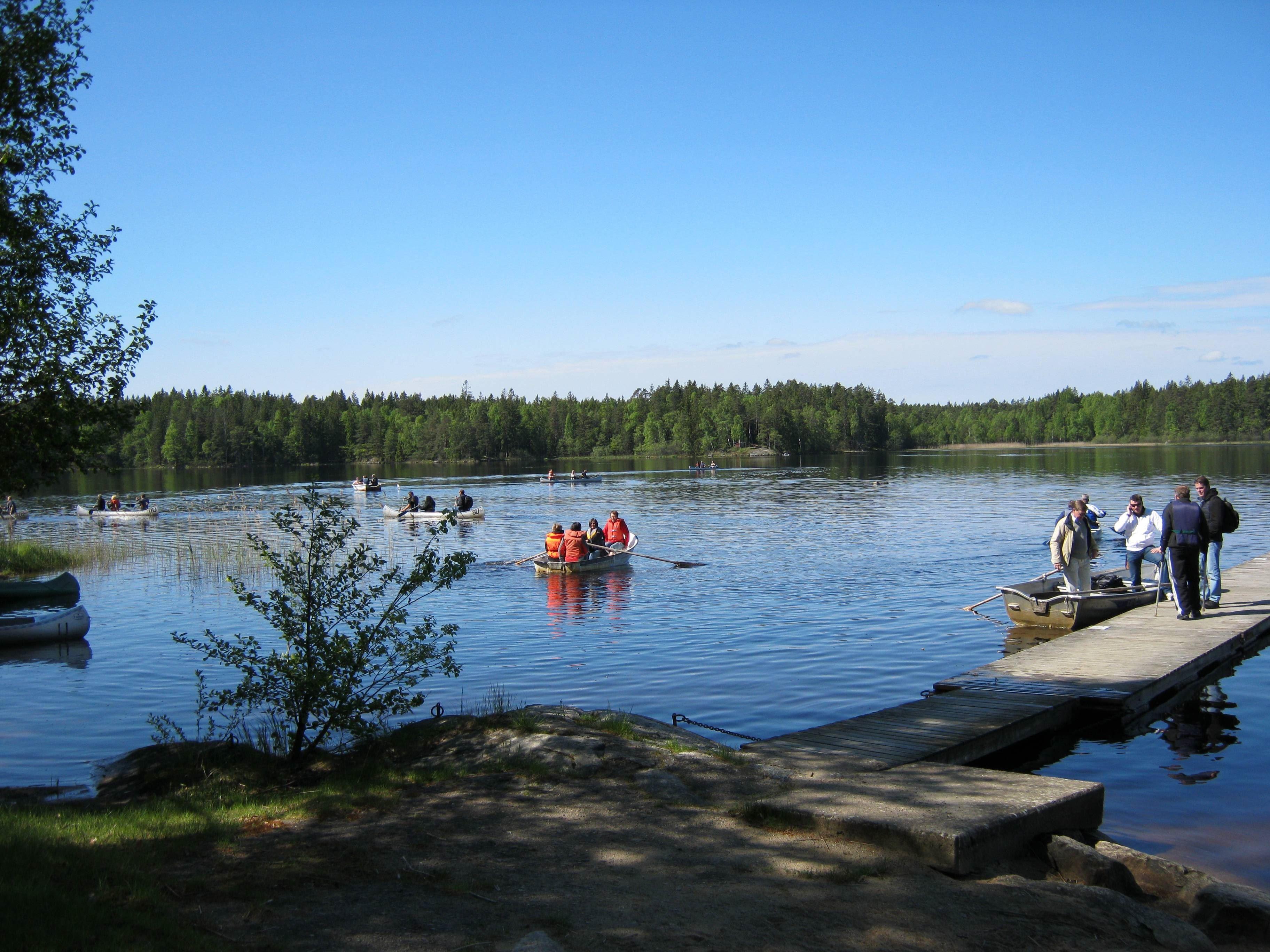 Urshults Camping,  © Urshults Camping, Kanoter på sjön åsnen