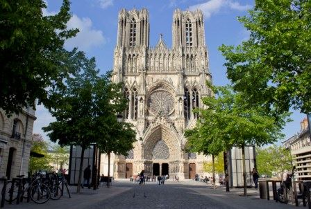 Interactive cathedral tour for children