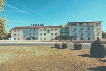 Blue Hotel