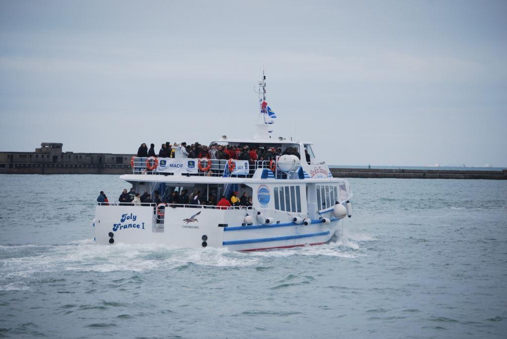 """Descente de la Seine, le 6 juin, à bord du """"Joly France I"""""""
