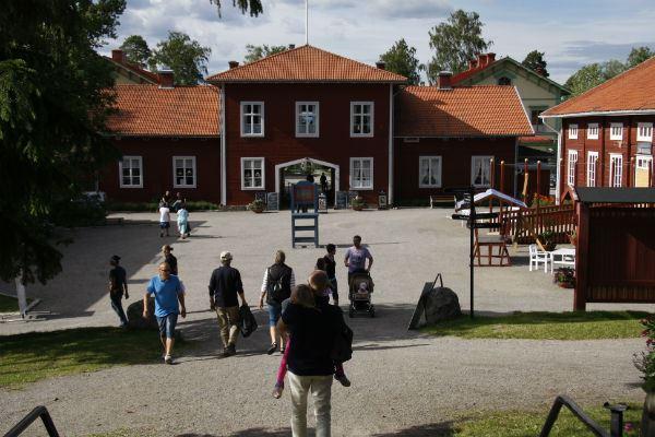 Stenegård - Kultur, Hantverk, Trädgård och Shopping