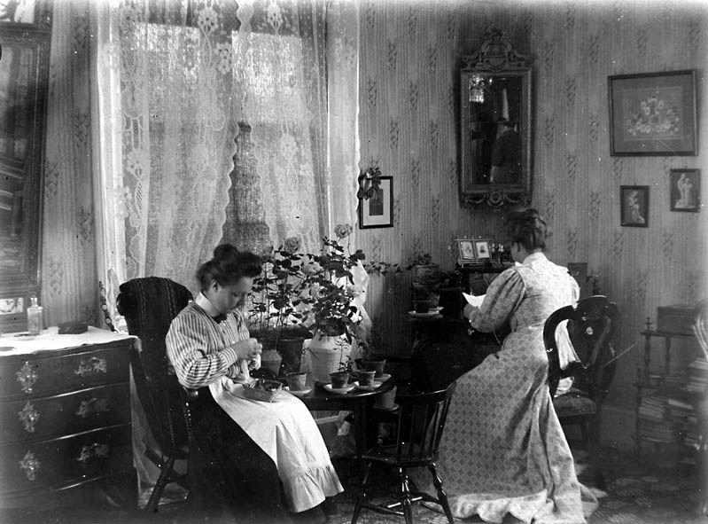 Hedda och Signe Aschan år 1906,  © Eksjö museum, Aschanska Gården
