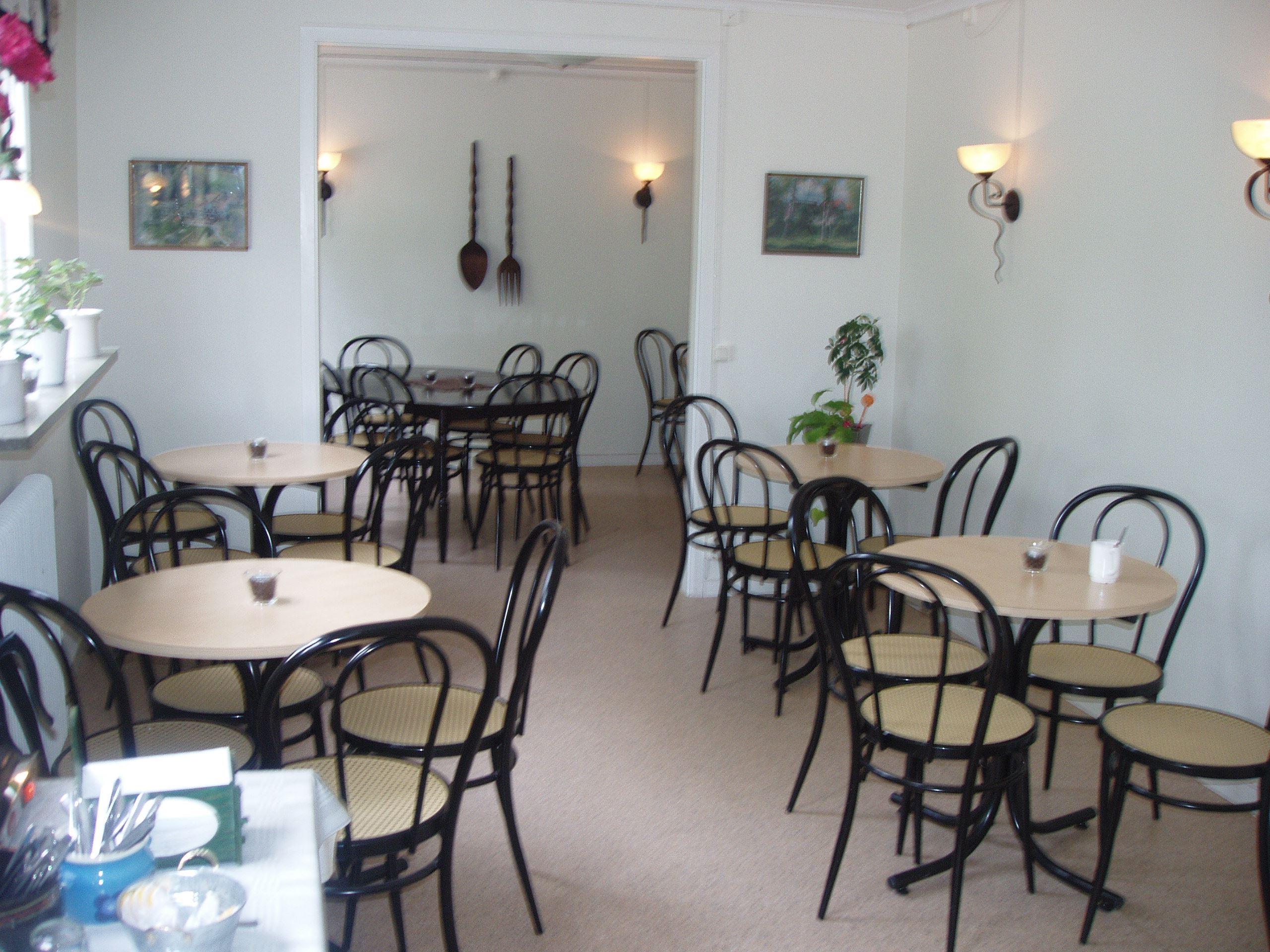 © Vänhems Café, Inomhus