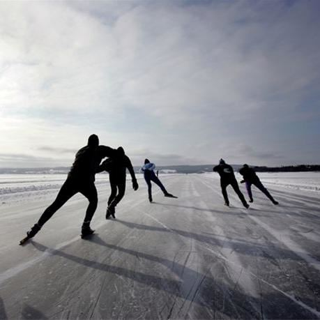 Medvinden - Ice skating and cross country skiing on Lake Storsjön