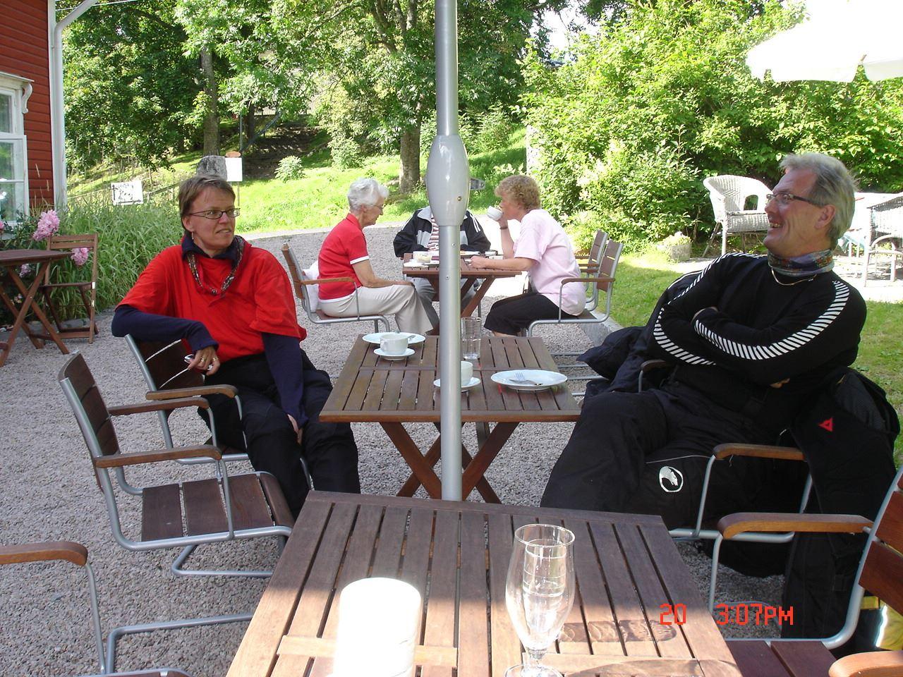 © Café Lovisen, Fika i trädgården