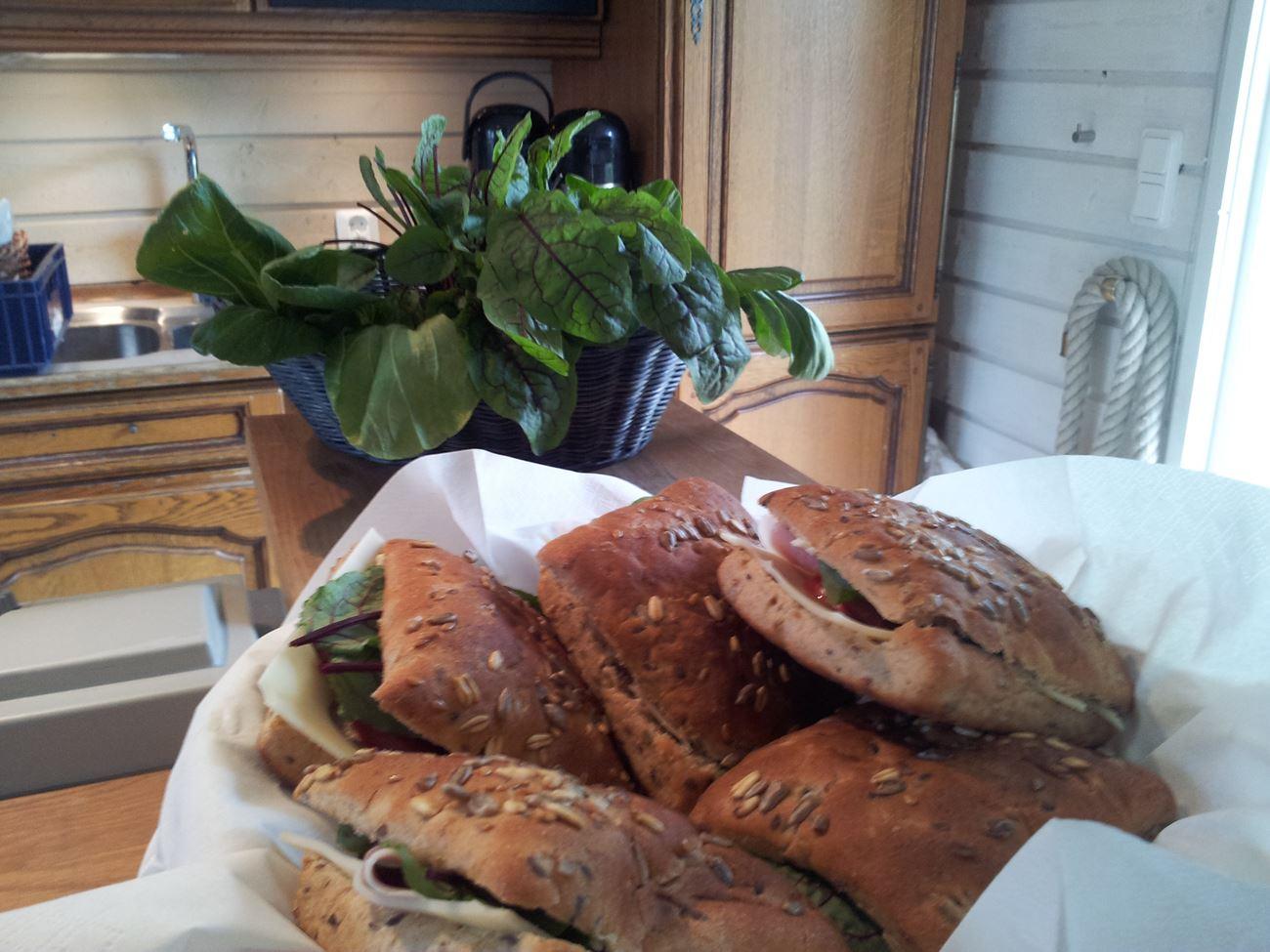 © Café Mangelboden - Ramoa, Härliga smörgåsar