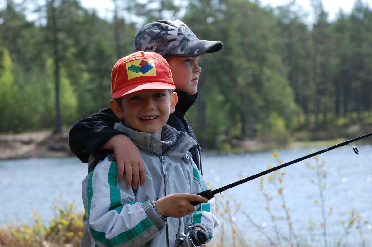Två fiskande kamrater