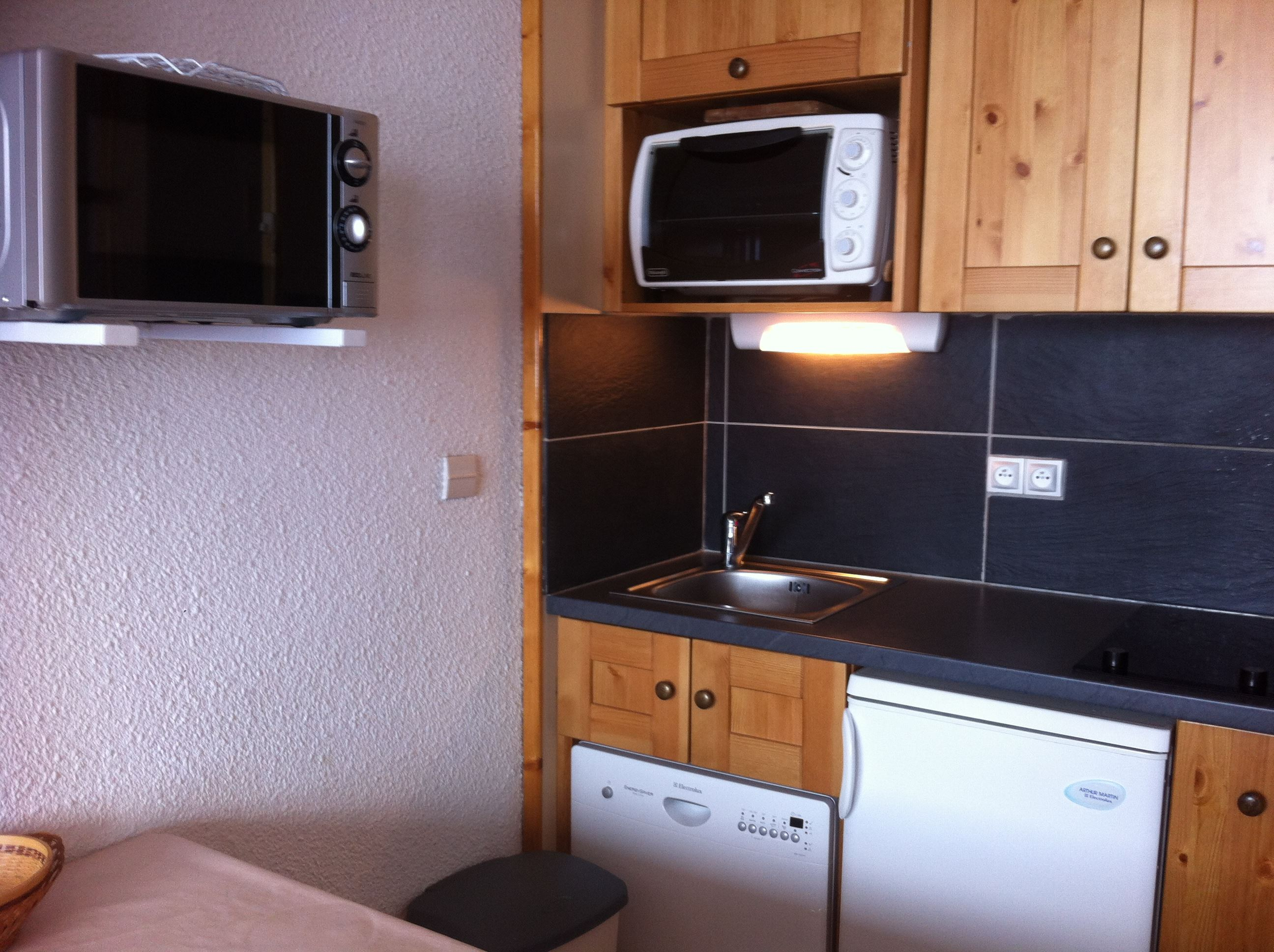 LAUZIERES 609 / APPARTEMENT 2 PIECES CABINE 4 PERSONNES CONFORT