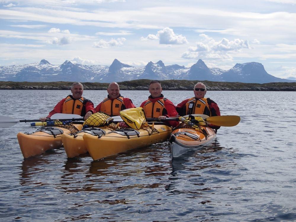 Tømmervika Adventure Center - Basic course in sea kayaking