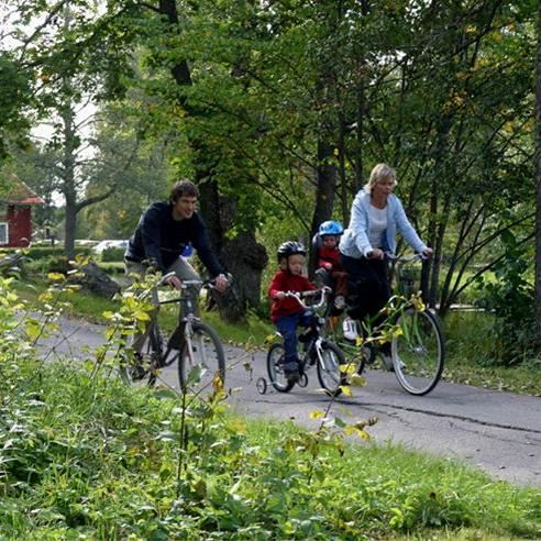 Paddla kanot eller cykla i Högbo Bruk