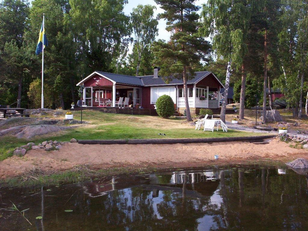 Foto Novasol, Boka stuga i Hässleholm med omnejd